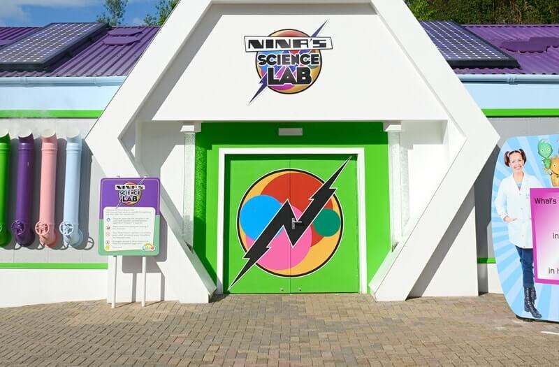 Ninas science lab - Alton Towers Resort